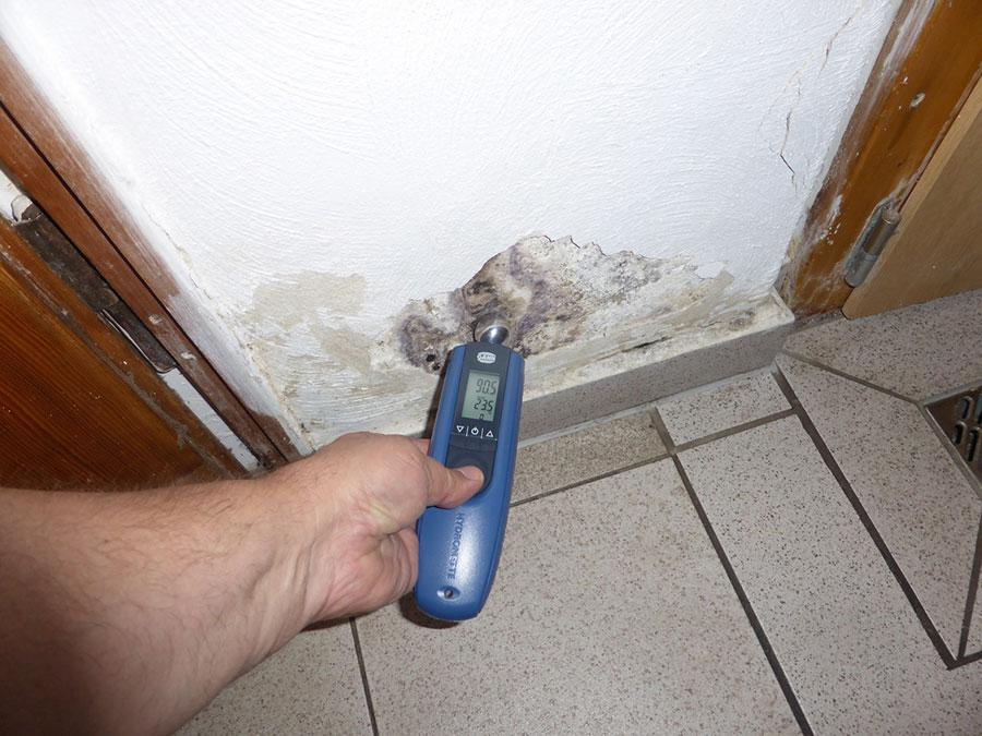 Wie feucht ist Ihr Haus? Messungen helfen beim Haus trockenlegen.